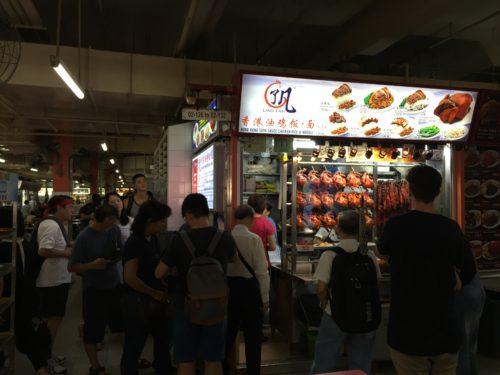 香港油鶏飯麺の長蛇の列