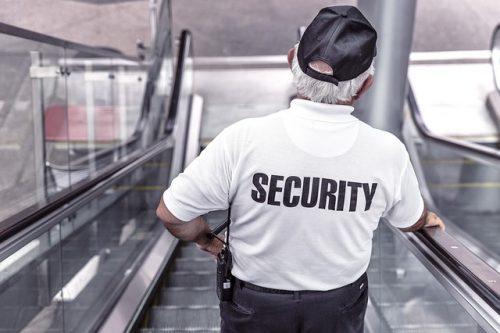 警察や役所はマレー語がメイン